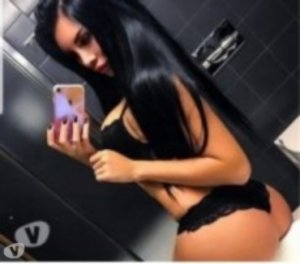 Gismonde escortes girl plantureuse La Tour-du-Pin